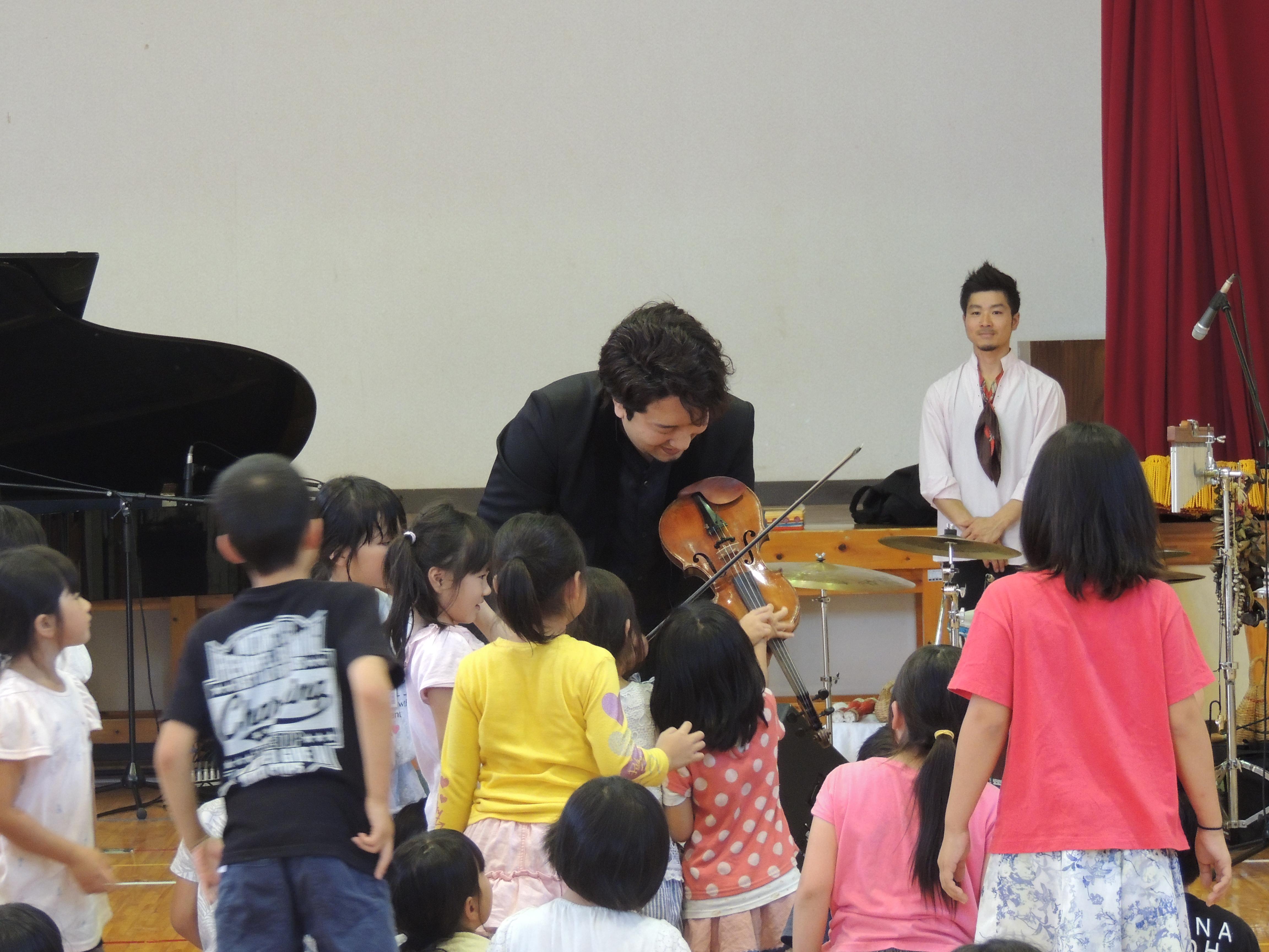http://mj-hall.jp/performance/30auto1.JPG